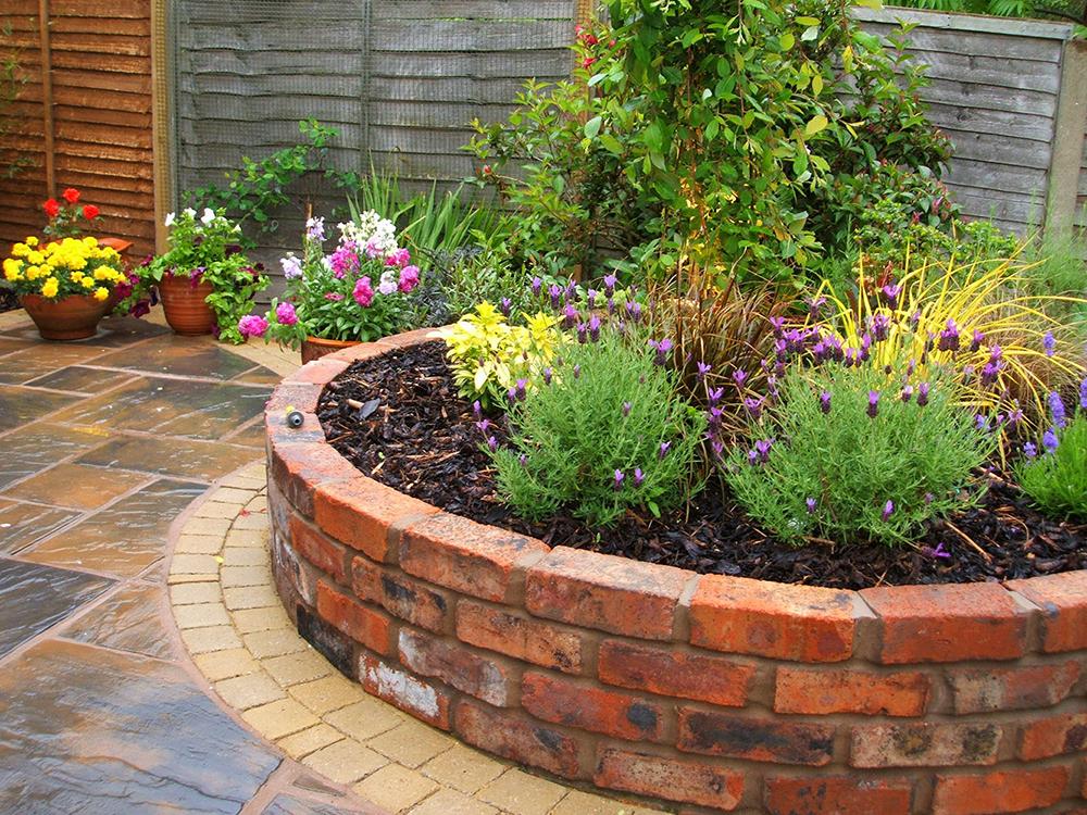 Garden walls plantdesign for Garden information sites